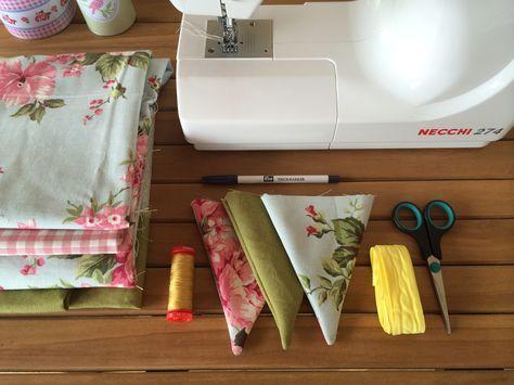 Emilia ci spiega, passo per passo, come realizzare una ghirlanda di bandierine di stoffa per dare un tocco di novità alla vostra casa estiva
