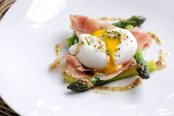 matthew tomkinson, great british chefs, poached duck egg, asparagus, cured ham, wholegrain mustard dressing