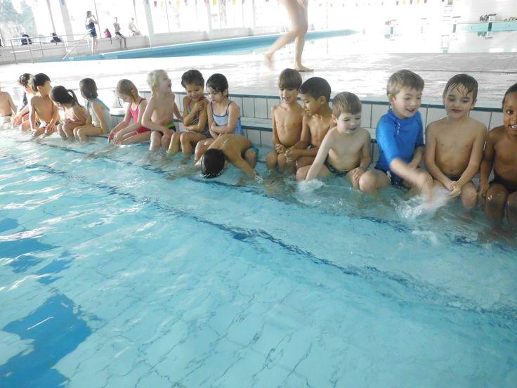 oefeningen op trap: blazen, lichaamsdelen zoeken, kopje onder water