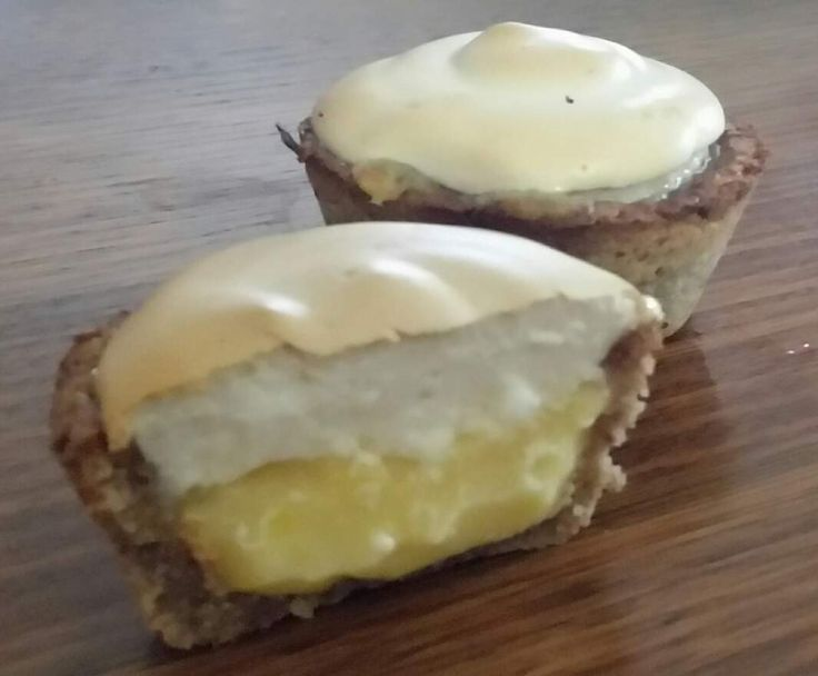 Recipe Lemon Meringue Pies (Gluten, Dairy and Refined Sugar free) by Thermo Sensation - Recipe of category Desserts & sweets