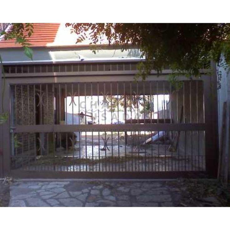 Porton de garage levadizo automatizado de hierro con puerta de escape | Portones de Hierro | Portones Antiguos :: Chapas Usadas