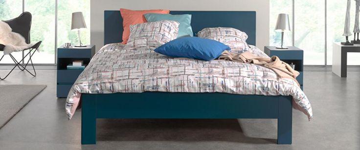 Houd je van industrieel design, maar ben je bang dat het in je slaapkamer kil aanvoelt? Vrolijk de typische grijze tinten en metalen accessoires op met hier en daar een opvallend accent in blauw, groen of oranje. Industrial Balance Impression -