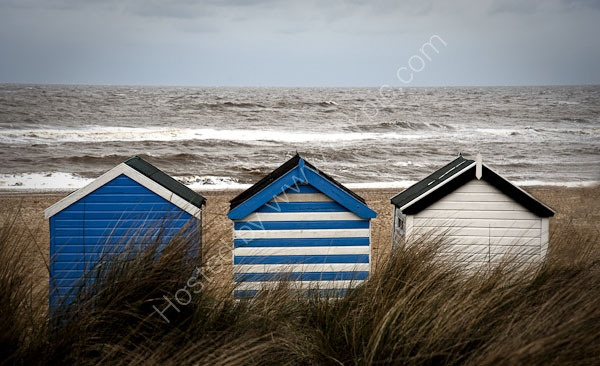 Google Image Result for http://www.ealesphotography.co.uk/images/Beach_huts_southwould1.jpg