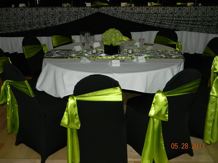 Damask Print Table Runner Lime Green Edges Black Square Vase Rose
