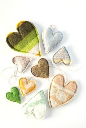 Heart ornaments made from old woolen blankets - pretty!