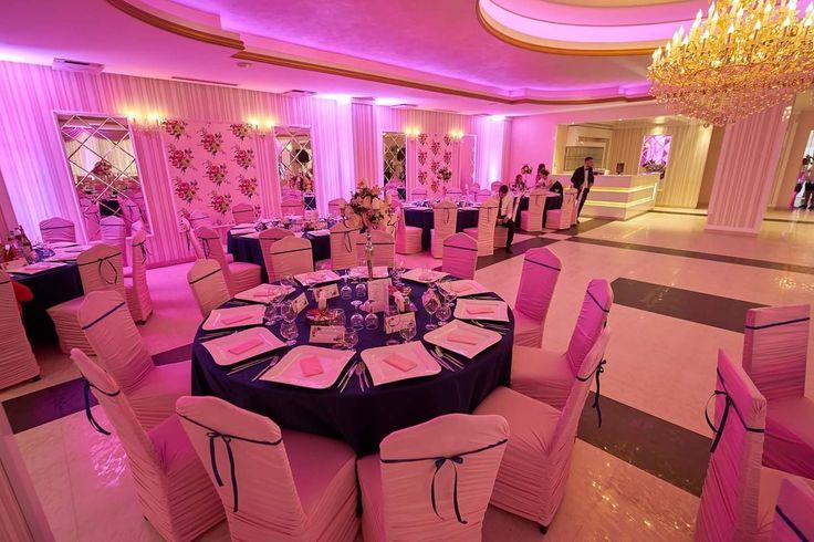 #decor #nunta #huse_slim #roz_bleumarin #luminiambientale
