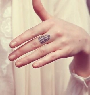 Florence + The Machine inspired birdcage tattoo I'm considering :) She has this tattoo and I want it too!! <3