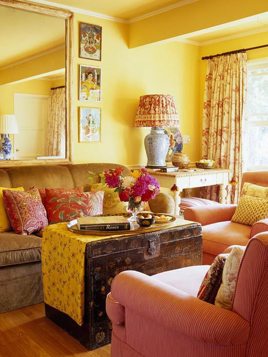Yellow and reddish-coral.: Decorating Small Spaces, Coffee Tables, Cozy Living Room, Decor Small Spaces, Furniture Arrangements, Small Living Rooms, Livingroom, Antiques Trunks, Living Room Furniture