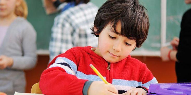 Te decimos qué ocasiona el bajo rendimiento escolar de tu pequeño y cómo ayudarlo. #TipsMIB #Educación #Niños #Maternidad