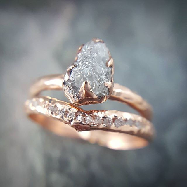 Mondays are amazing when you love your job! Raw rough conflict free diamonds in recycled rose gold. #rawgem #sayyes #ido