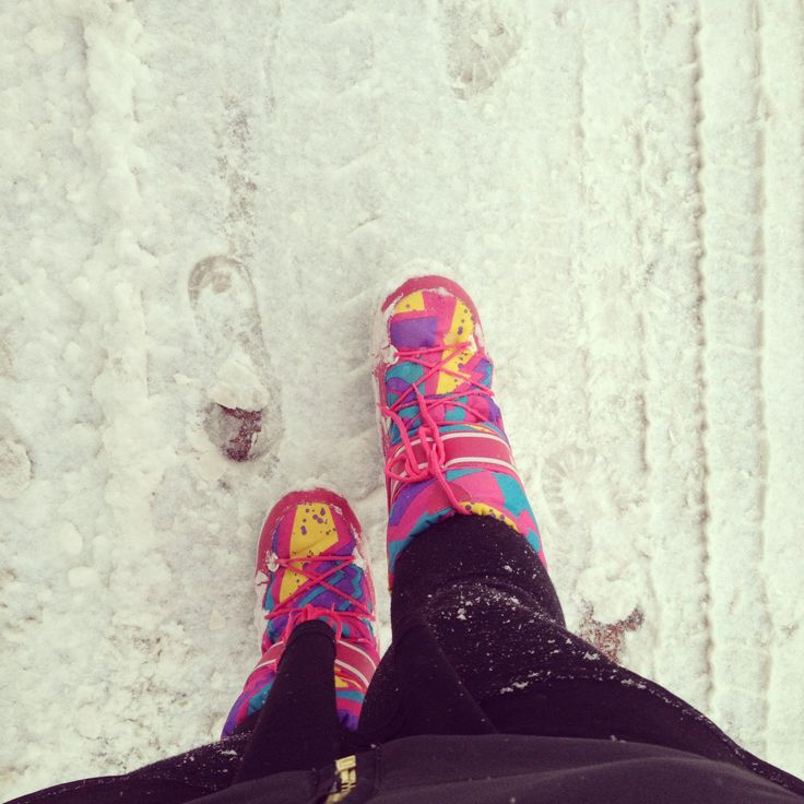 #moonboots #winter #snow #phonephotography #boots #pink