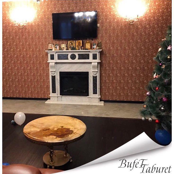 """Дорогие друзья, а у нас очередная порция """"хвасталок"""" на ночь🎄🎉 Диванный столик с ониксом обрел новый дом в Санкт-Петербурге🎁🎊 Спасибо за доверие🙏🏻🌹❤️ #буфеттабурет #bufettaburet #отзывбуфеттабурет #винтажнаямебель #винтаж #антиквариат"""