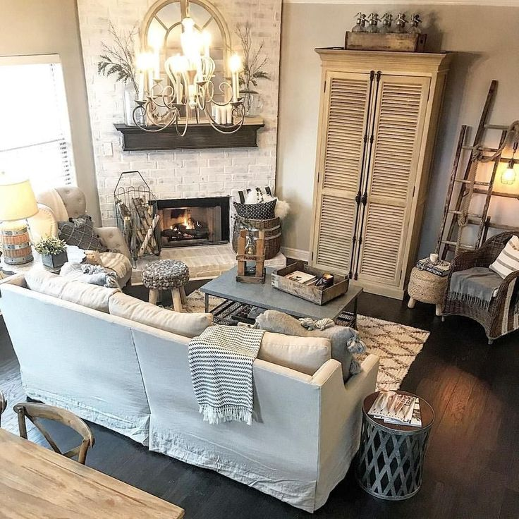Cool 99 Cute Shabby Chic Farmhouse Living Room Decor Ideas. More at http://www.99homy.com/2018/02/21/99-cute-shabby-chic-farmhouse-living-room-decor-ideas/
