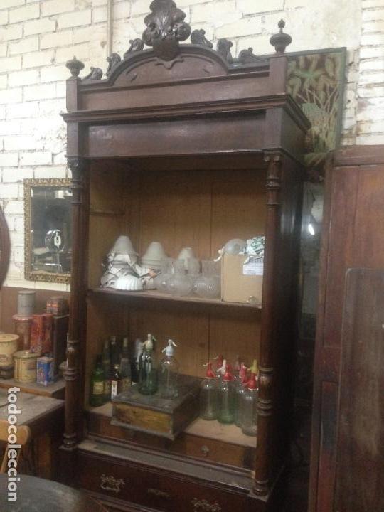 Armario alfonsino de nogal antig edades muebles for Muebles antiguos vintage
