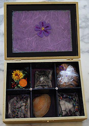 Juwelenbox maken van een oude theedoos! Leuk cadeau voor een verjaardag of Moederdag.