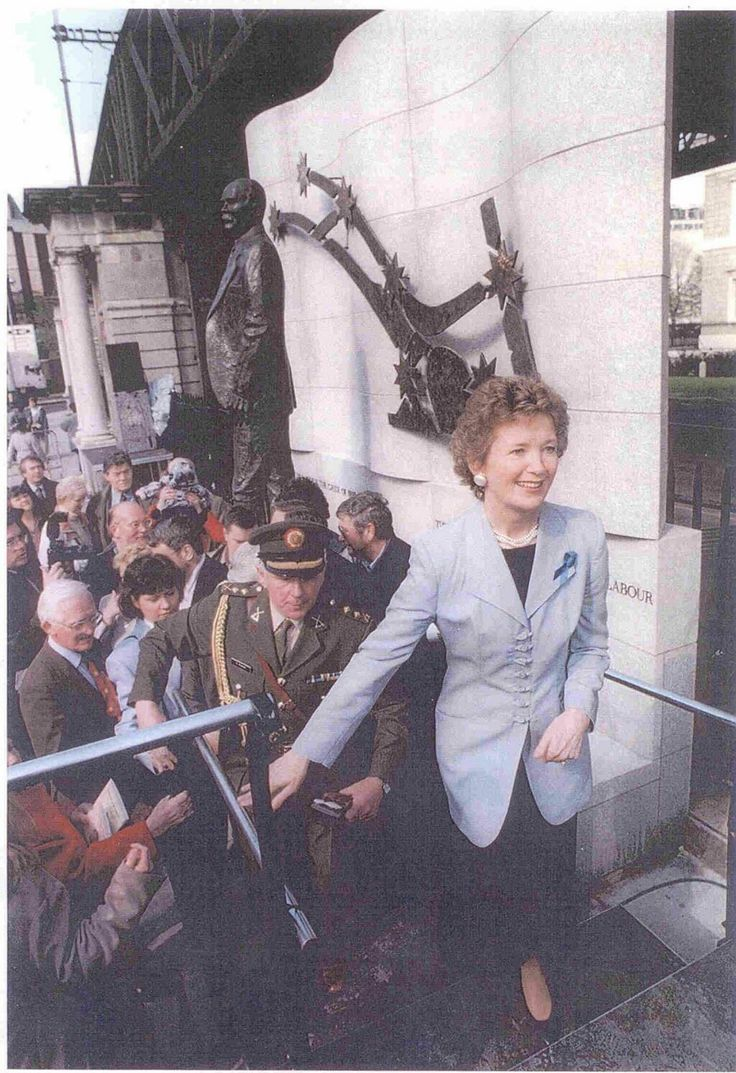 Mary Robinson, the Irish President as she was then, wearing a blue ribbon on #May12, 1996. #MEawareness #ME #MECFS
