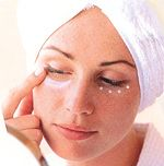 Too many late nights given you panda eyes? Try Roman Chamomile #Hydrosol on cotton-wool pads to reduce puffy eyes and fade dark circles. More here : http://www.quinessence.com/blog/aromatherapy-for-dark-circles
