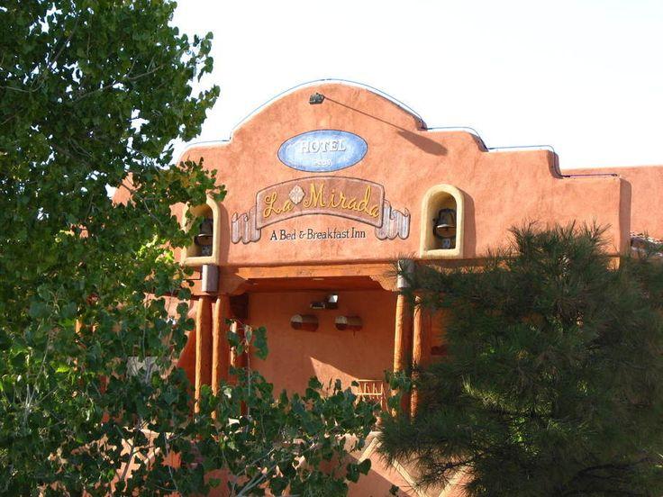 Belen, NM : La Mirada Hotel - Front View