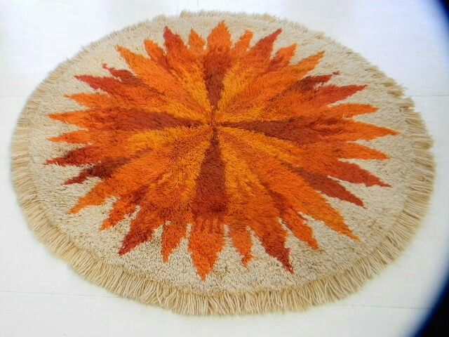 Sun rya rug