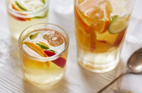Making this delicious drink couldn't be easier. Find out how to make peach sangria today at Tesco Real Food.