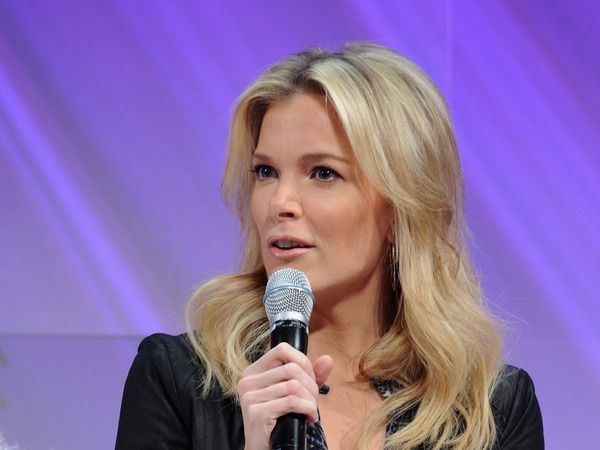 Haha *cuts laugh abrubtly* I so dislike Megyn Kelly.  But, big surprise; she says she acted a fool at White House x-mas party. The Fox News TV host found herself a proverbial sheep among media wolves, which must have disoriented her because when she encountered the president, Kelly and