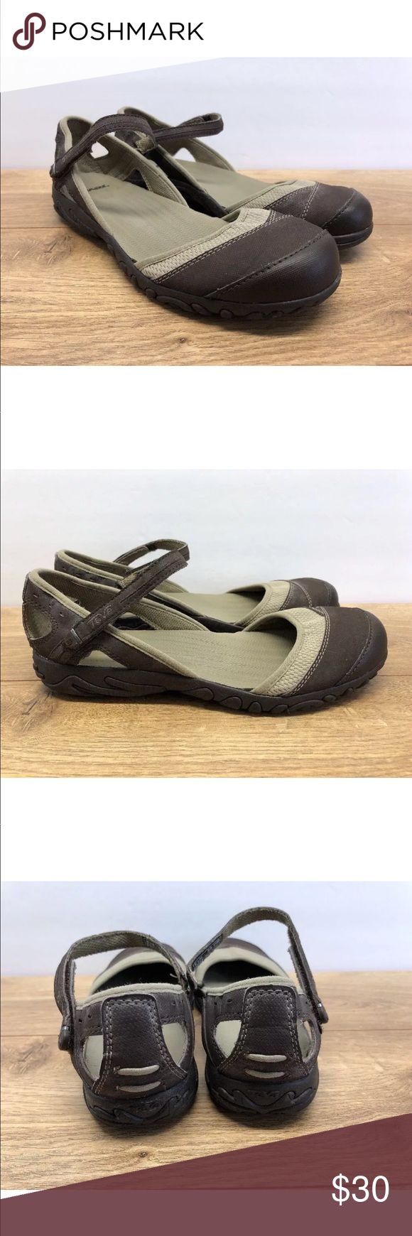 TEVA Sz 9 Hiking Water Sport Hiking Sandals -AQ12 TEVA Water Sport Hiking Sandals Round Closed Toe ankle Strap Sz 9 in good condition. These shoes do show signs of wear but still have a ton of life left in them.   Please see photos for color, style and condition. Teva Shoes Sandals
