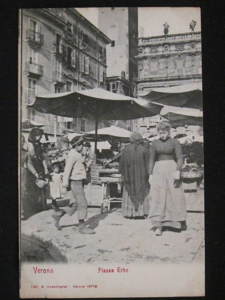 Verona- il mercato in Piazza Erbe - cartolina fotografica primo 1900