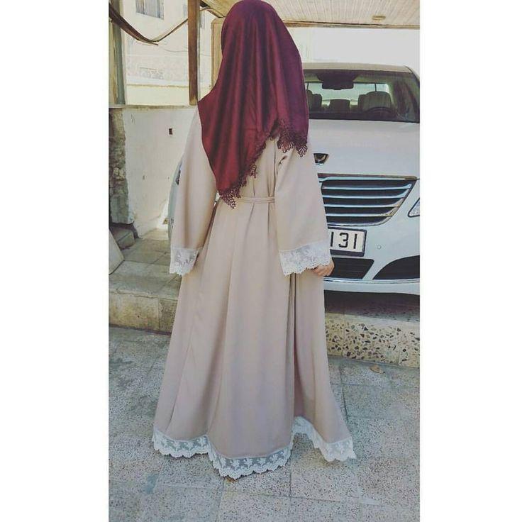 "72 Likes, 2 Comments - BeautiifulinBlack (@beautiifulinblack) on Instagram: ""@the.queen.of.oman ✨—————————————————————— #abayastyle #abayafashion #modestfashion #modernabaya…"""