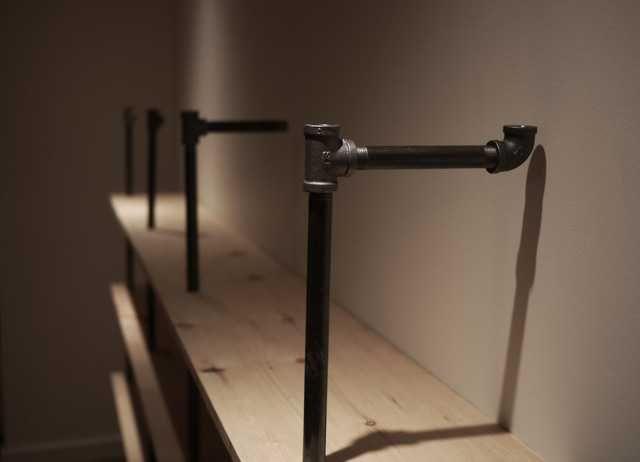 die besten 17 ideen zu m bel aus rohren auf pinterest r hrentisch industrielle m bel und. Black Bedroom Furniture Sets. Home Design Ideas