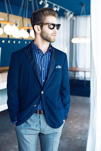 ビジネスカジュアルの着こなし・コーディネート一覧【メンズ】 | Italy Web 大振りな縦ストライプシャツでトラッドな雰囲気をもちつつ、ボトムはスラックスで品良く締めている。 キッチリとした服装が求められるシーンや、ビジネスカジュアルの ...