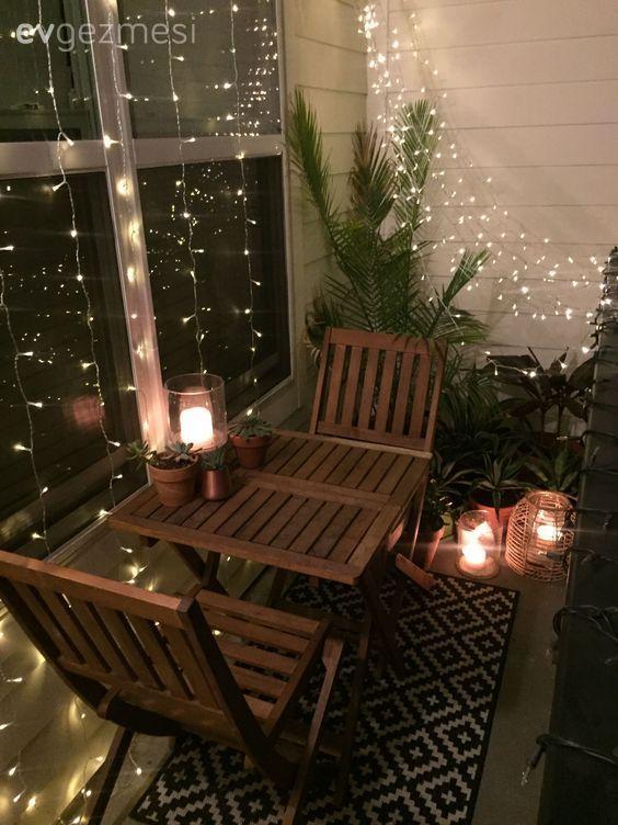 Beleuchtung ist sehr wichtig für ein angenehmes Ambiente. Ku …   – Balkon