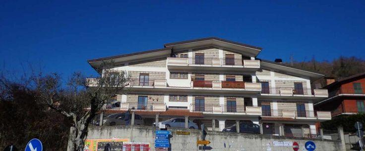 Proponiamo appartamento di nuova costruzione (primo ingresso) di circa 85 mq, oltre ampie balconate, composto da ingresso, soggiorno, cucina, due camere da letto e bagno. Disponibili anche altre tipologie.