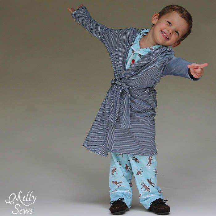 So cute - Sleepy Robe - Free Pattern and Tutorial for Children's Robe Sizes 18m-8 - Melly Sews#sewing #kids #tutorial #diy