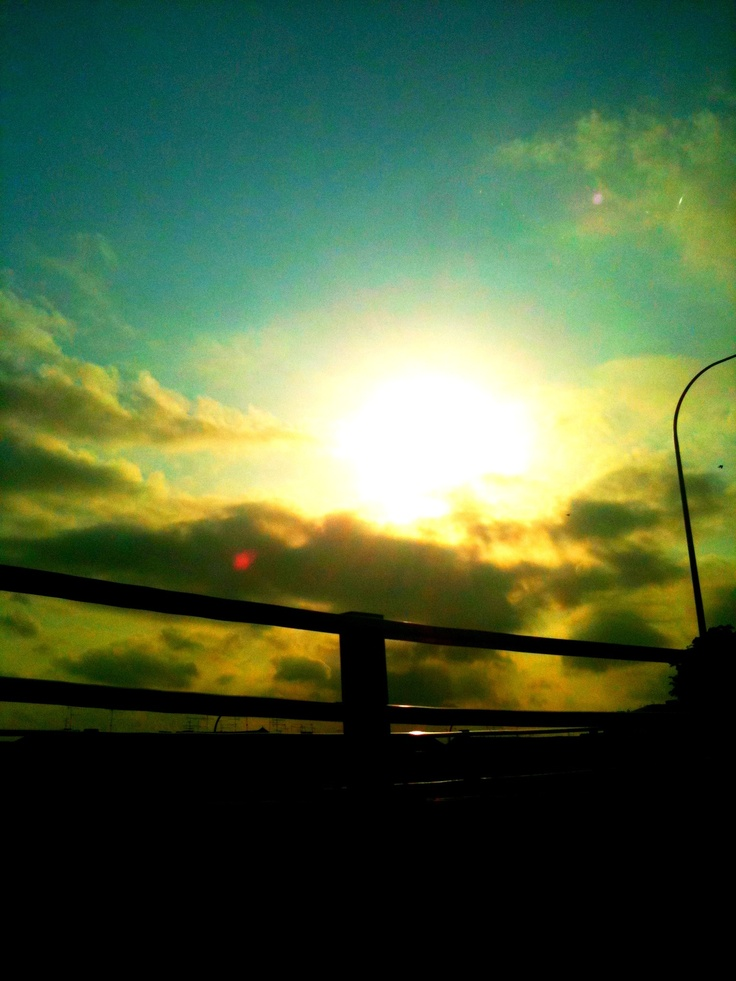 Random Sky Pic - 1 if those that I taken quite some time ago.... #sky #sunset #cloud #sun