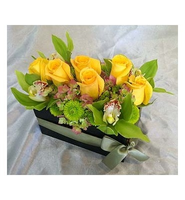 93 best centerpieces images on pinterest floral arrangements yellow roses mightylinksfo