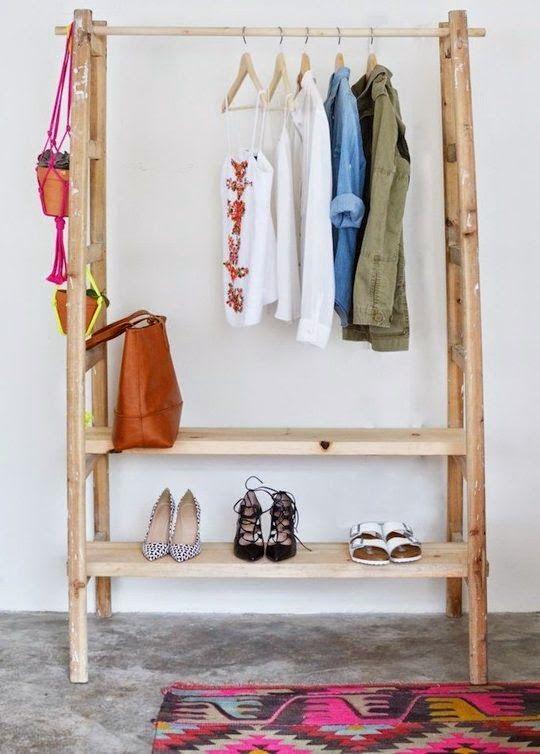 garderobe aus zwei leitern ein simpler selbermachen tipp zur flur gestaltung alltag. Black Bedroom Furniture Sets. Home Design Ideas