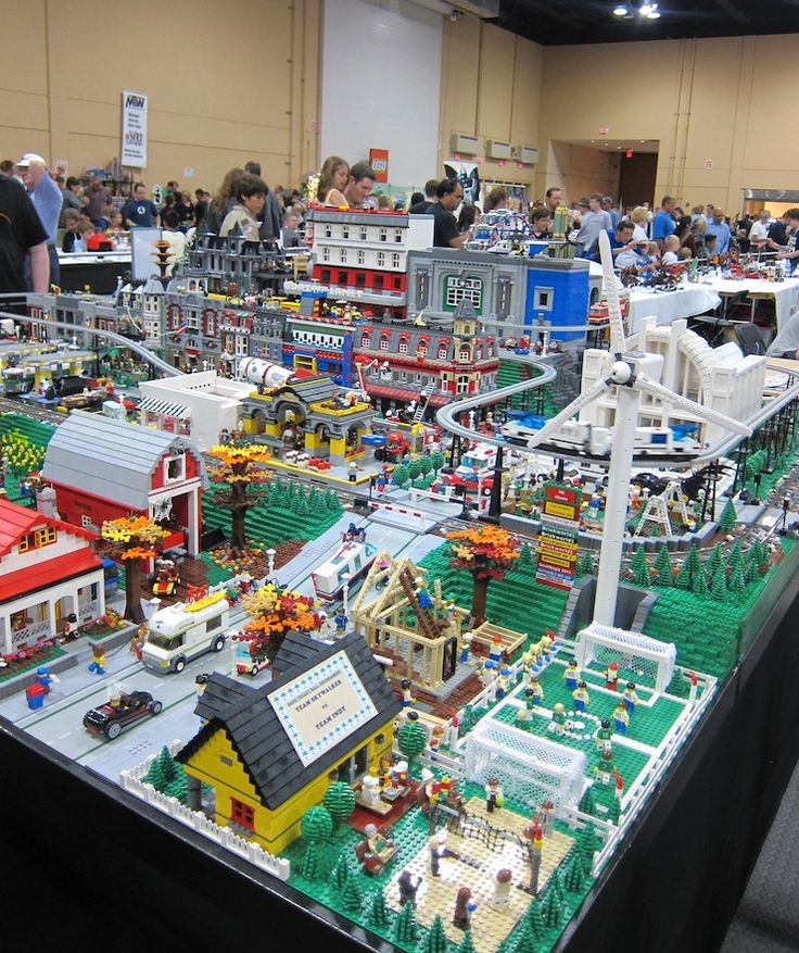 City of Legos  This is awesome. I loved building a city in the dining room with my brother's Legos.: Dining Rooms, Lego Boys, Loved Building, Lego City, Lego Art, Lego Room, Brothers Legos, Brother S Legos, Lego Brickworld