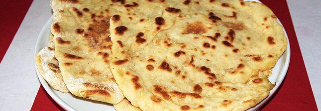 Így készül a házi naan kenyér