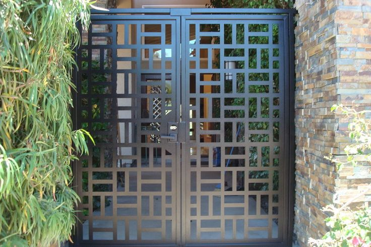 CONTEMPORARY METAL GATE ON SALE DECORATIVE ORNAMENTAL CUSTOM IRON GARDEN  ENTRY