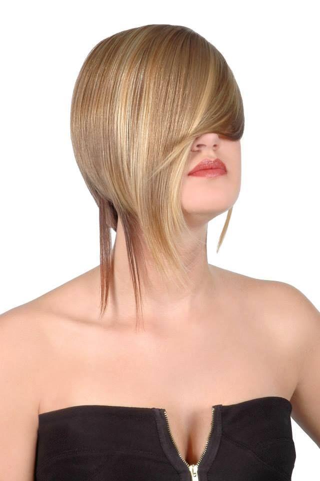 #Frizura/ #Hair: Papp Péter Fodrászmester A teljes képanyag itt látható/The full collection: http://szepipar.hu/index.php/szepsegipar/fodraszat/divat/131-papp-peter-es-a-bob #hairdresser #hungarianhairdresser #bobhair