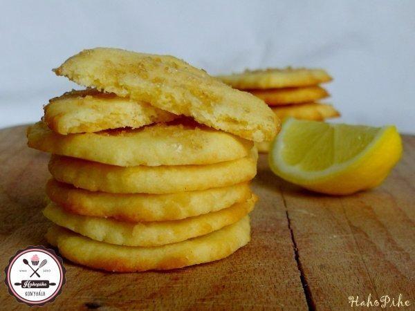 Lágyan roppanós citromos kekszek | HahoPihe Konyhája - Receptneked.hu