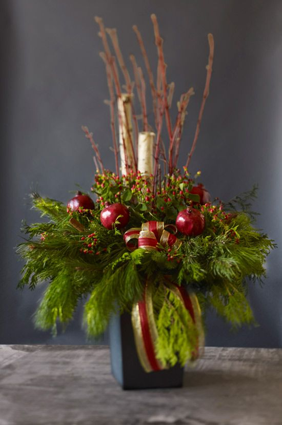 Fruit-inspired holiday decor http://www.styleathome.com/how-to/simple-projects/fruit-inspired-holiday-decor/a/33584