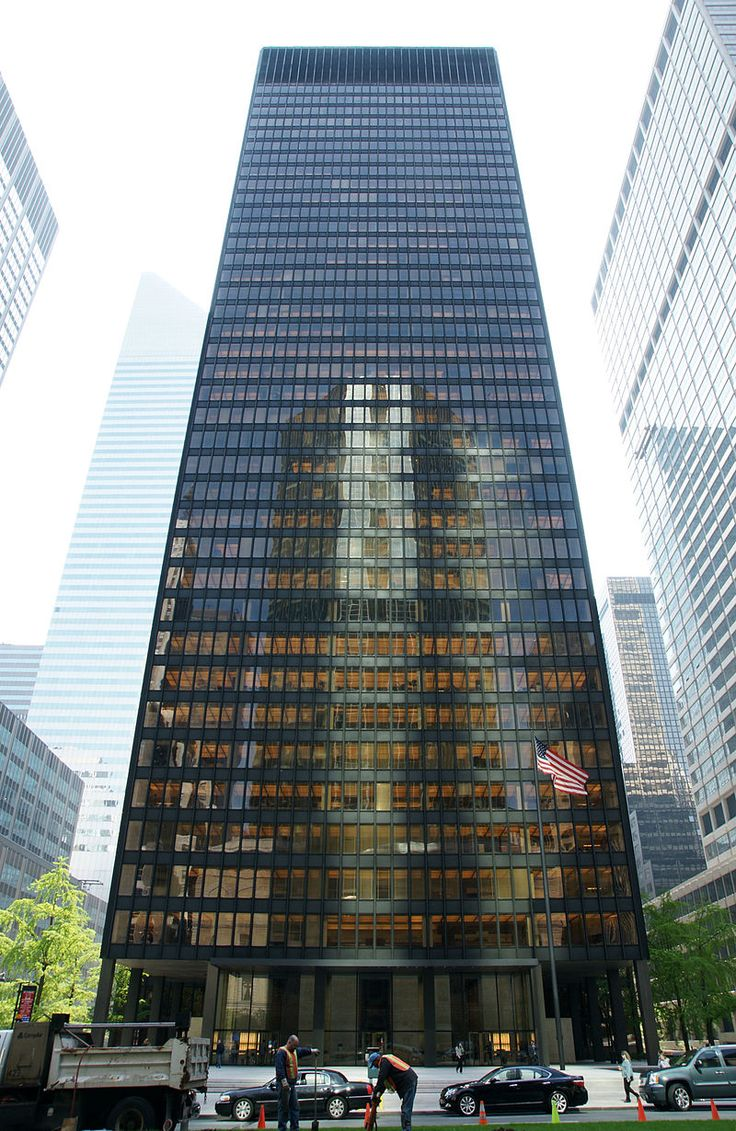 Seagram Building, Ludwig Mies van der Rohe and Philip Johnson, 1954-58