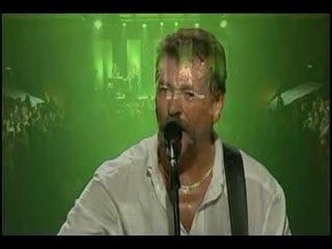 ♫ Irish National Anthem, Wolfe Tones (1) From: You Tube, please visit