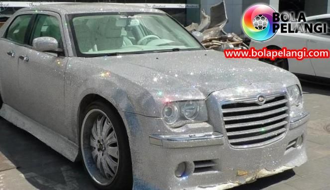 car with gemstone