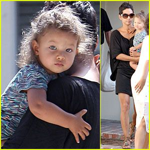 seriously..Halle Berry's daughter, Nahla, is gorgeous. i ...