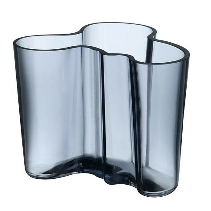 The classic iittala vase by Alvar Aalto has been released in one of this season's most beautiful hues of blue. Add the original classic Savoy shape or the taller contemporary Finlandia vase to your Aalto collection. The new colour is 'Rain' Shown 120mm version.