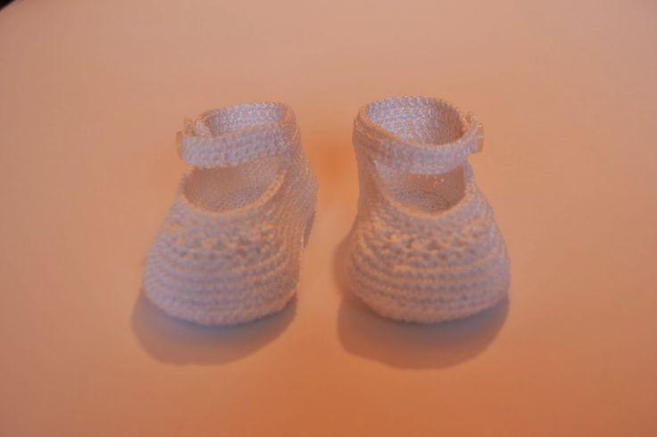Patucos para bebés estilo merceditas.  www.babybootsboutique.blogspot.com
