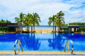Phuket Marriott Resort and Spa, Nai Yang Beach offers quiet, secluded accommodation within walking distance of Nai Yang's main beach.