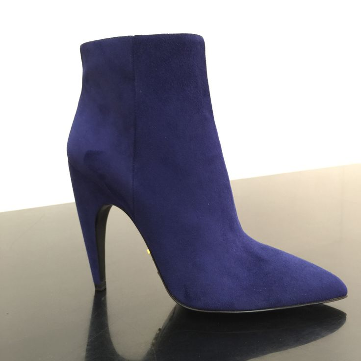 Ankle bootie by @Prada #Prada #AnkleBoots #heels #FolliFollie #FW14collection